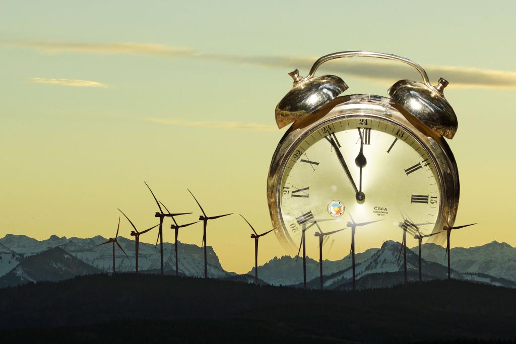 DSC00208Saurüsselgebiet-Windräder-Uhr