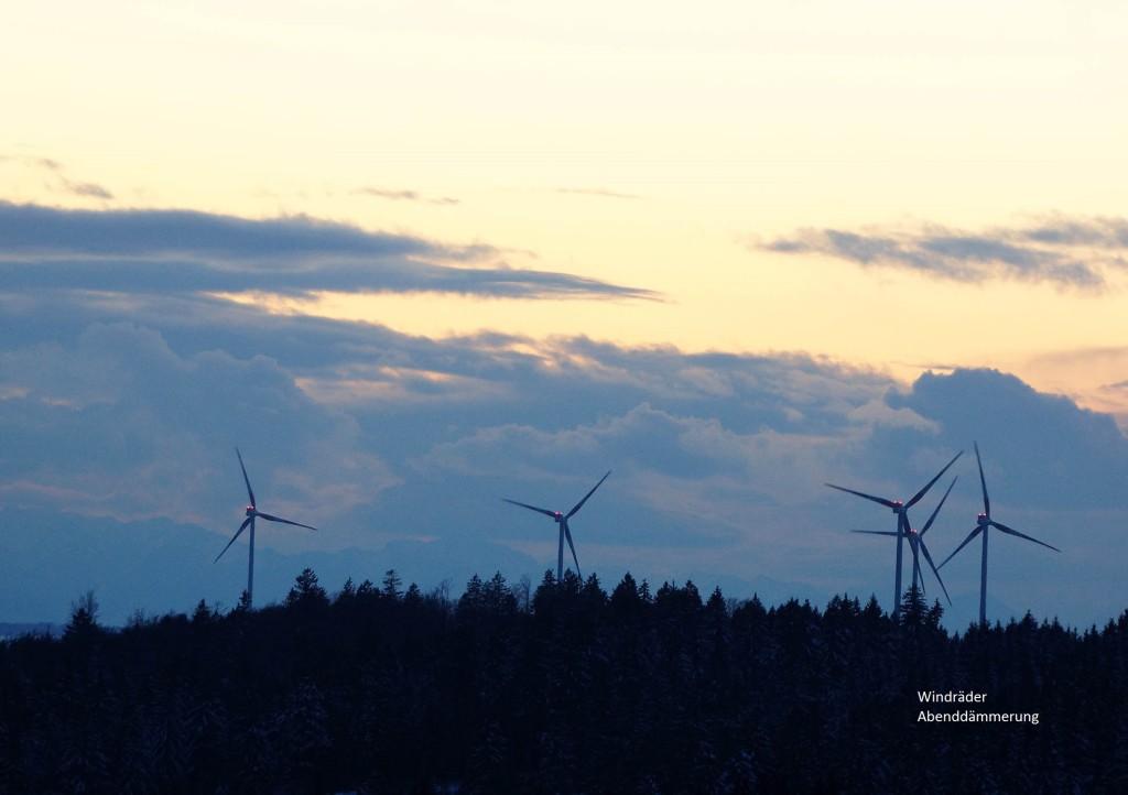 DSC01554 Windräder_Licht-Dämmerung3dpi bearbeitet